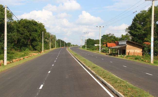 34-Hambantota–Gonnoruwa–Meegahajandura-Road-10