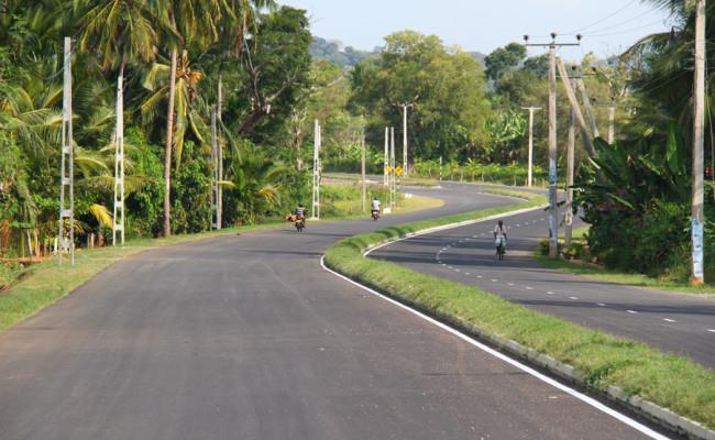34-Hambantota–Gonnoruwa–Meegahajandura-Road-12